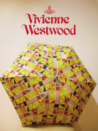 Vivienne Westwood 折り畳み雨傘入荷